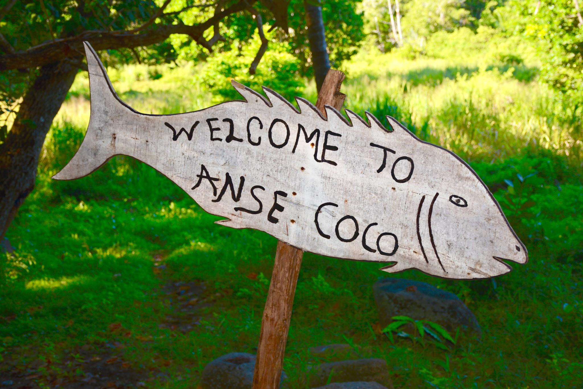 Wegweiser zum Strand Anse Coco - La Digue