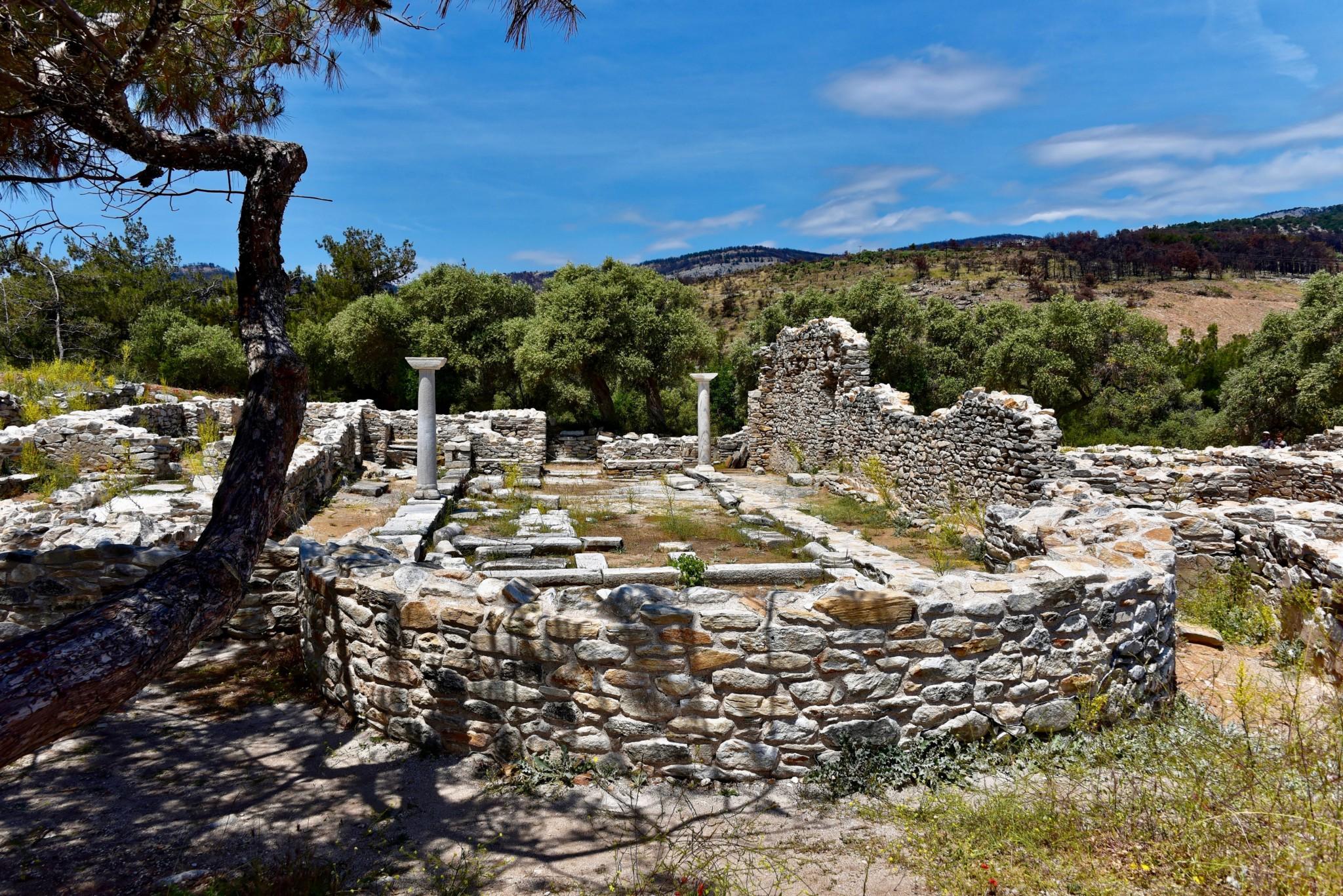 Aliki - Antike Basiliken