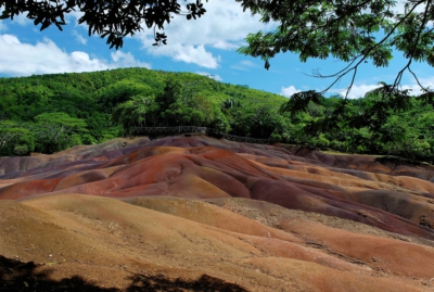 Terres des Couleurs - Coloured Earth