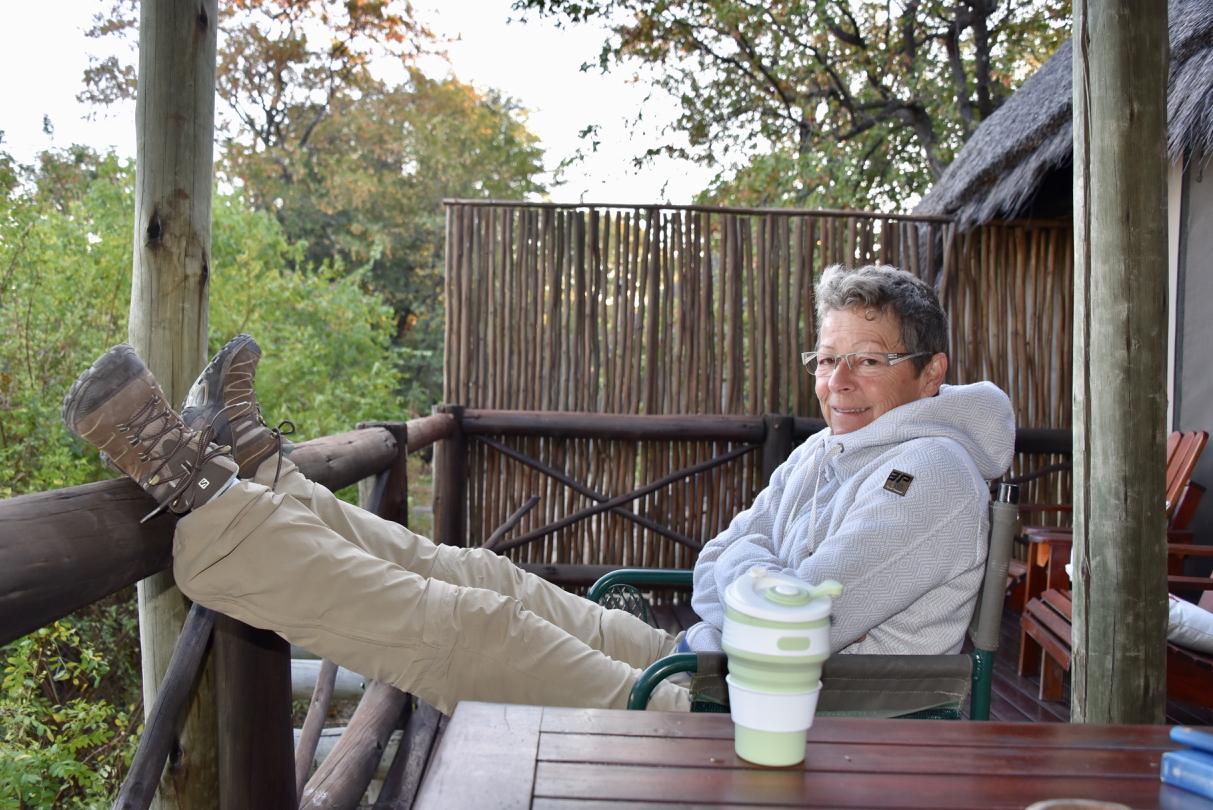 Kaffee auf der Terrasse vom Camp Kwando