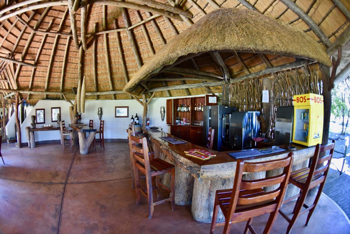 Bar mit Theke im CAMP KWANDO