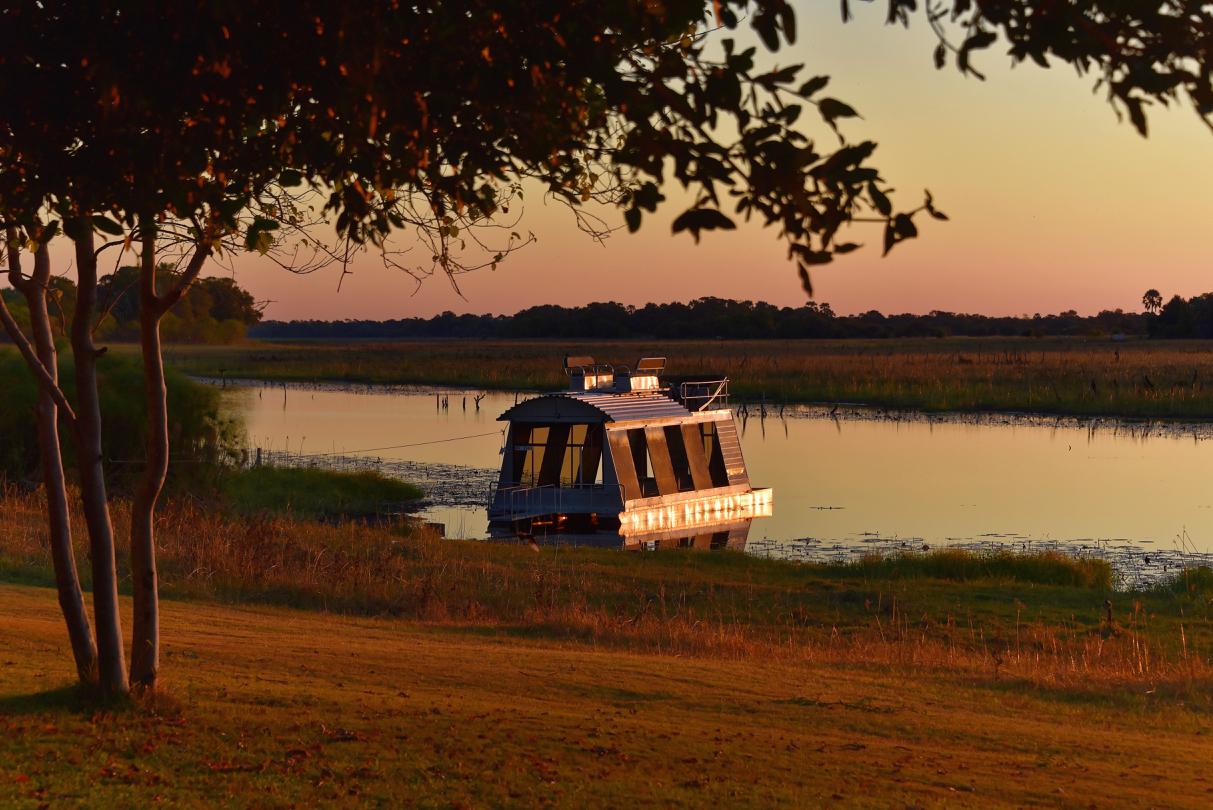 THAMALAKANE RIVER - Maun - Botswana